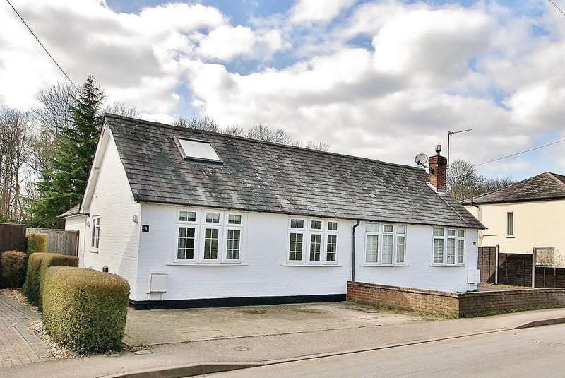 3 Bedrooms Semi Detached Bungalow for sale in Sutton Green