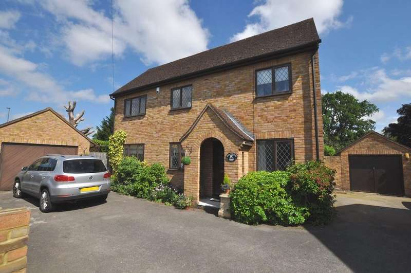 4 Bedrooms Detached House for sale in London Road, Guildford