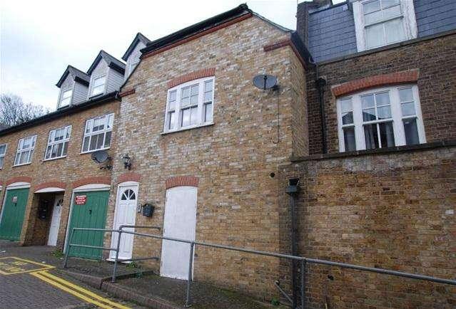 1 Bedroom Flat for sale in Nails Lane, Bishops Stortford