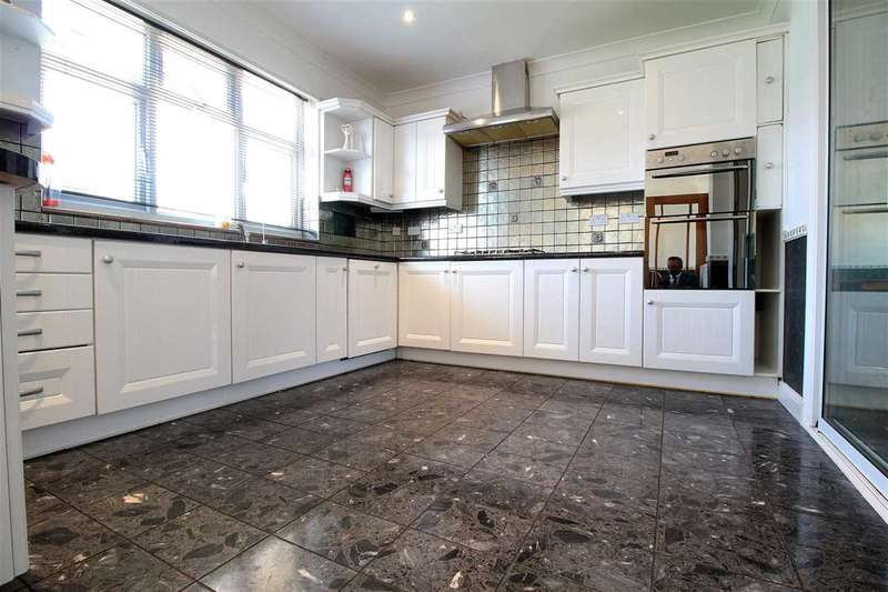 4 Bedrooms Terraced House for rent in Elgin Road, Seven Kings, Ilford