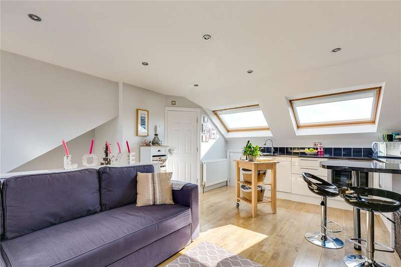 Studio Flat for sale in Upper Richmond Road West, London