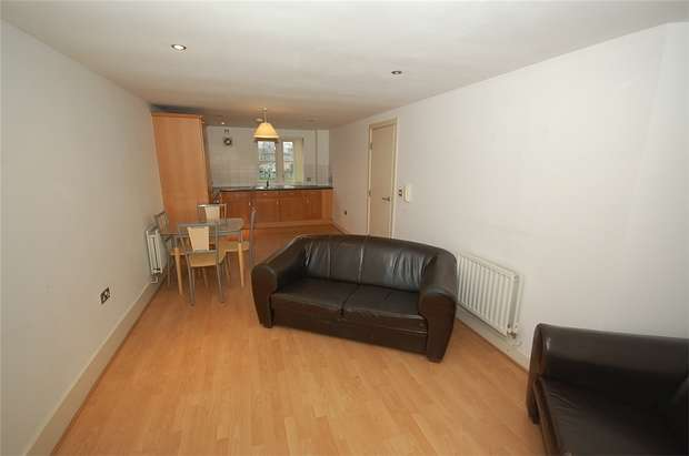 2 Bedrooms Flat for sale in Wilcock Street, Manchester