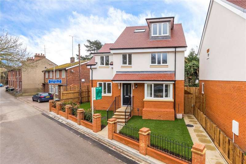 5 Bedrooms Detached House for sale in Lowbell Lane, London Colney, St. Albans, Hertfordshire