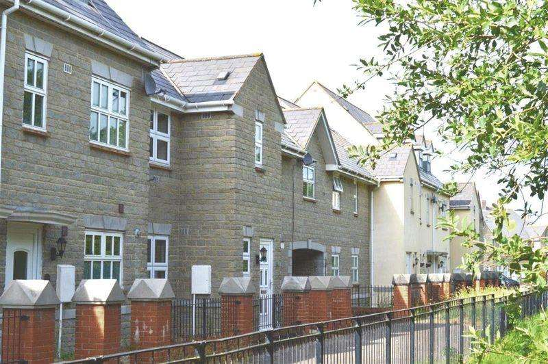 3 Bedrooms Terraced House for rent in Weston Village, Weston-Super-Mare