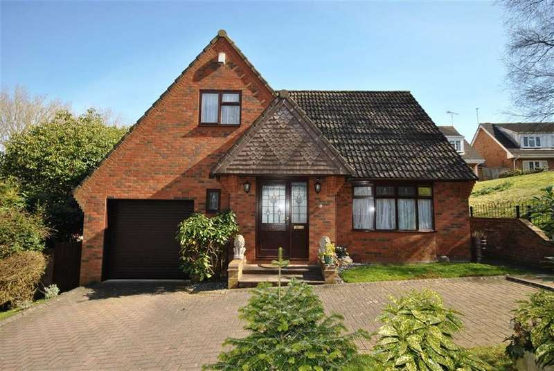 3 Bedrooms Detached House for sale in Overstone