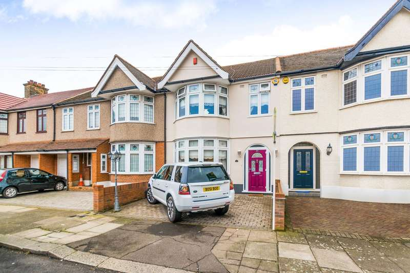 3 Bedrooms House for sale in Brixham Gardens, Ilford, IG3