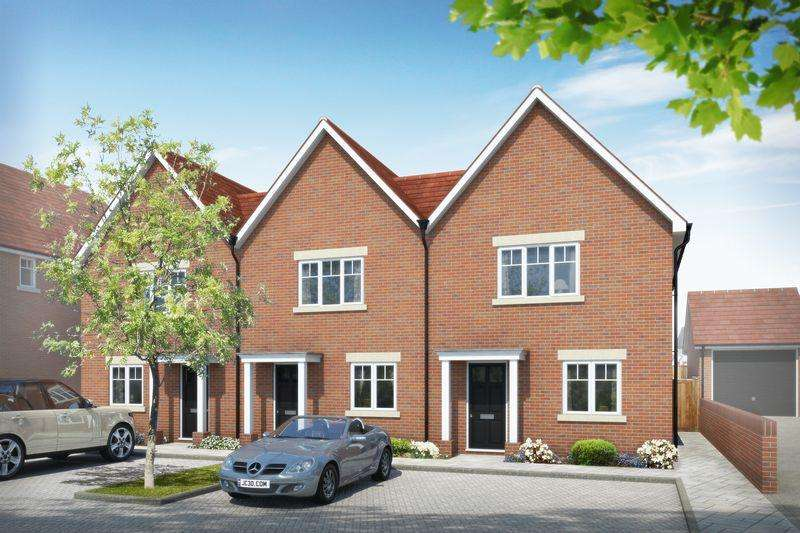 2 Bedrooms Detached House for sale in Beacon Woods, off Cants Lane Burgess Hill, West Sussex