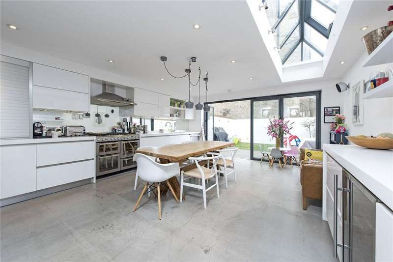 4 Bedrooms Terraced House for sale in Leathwaite Road, Between The Commons, London, SW11
