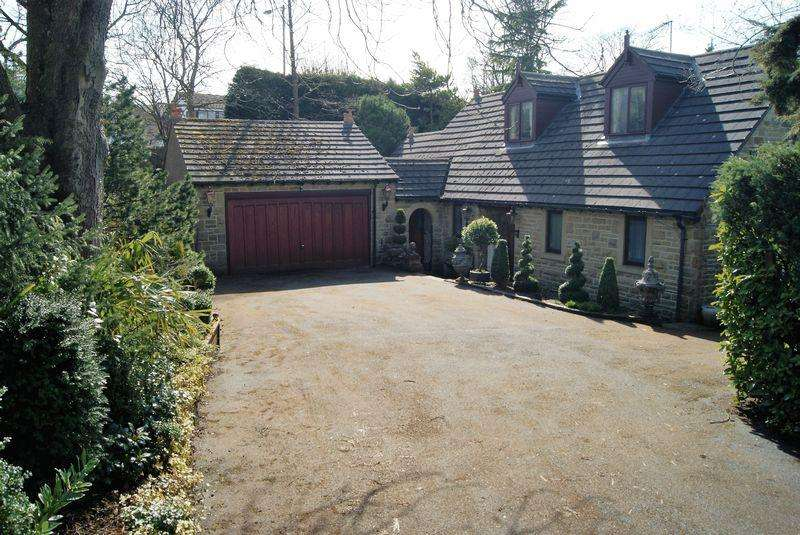 4 Bedrooms Bungalow for sale in Churchill House, Beck Lane, Bingley