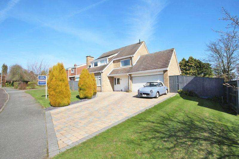 4 Bedrooms Detached House for sale in ST MARYS PARK, LOUTH