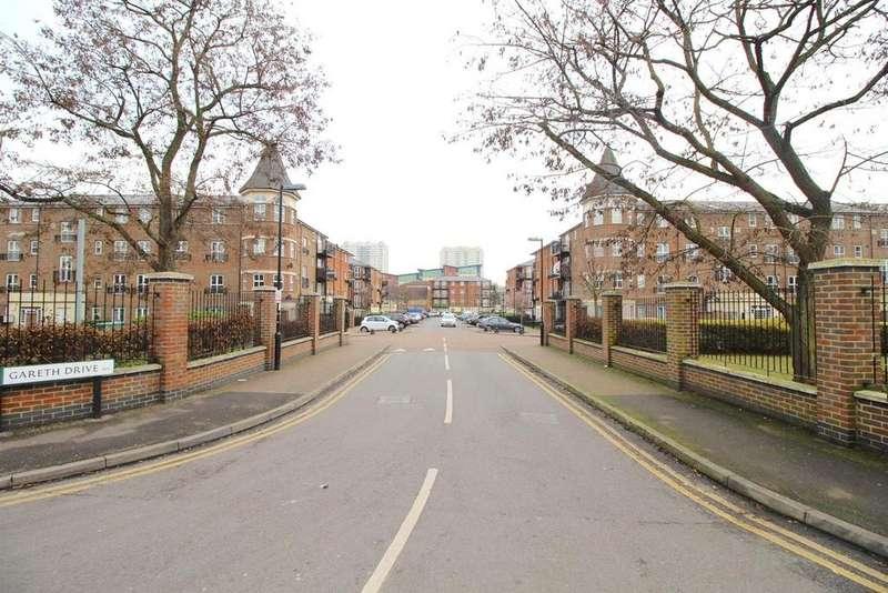 2 Bedrooms Apartment Flat for sale in Gareth Drive, Edmonton, N9