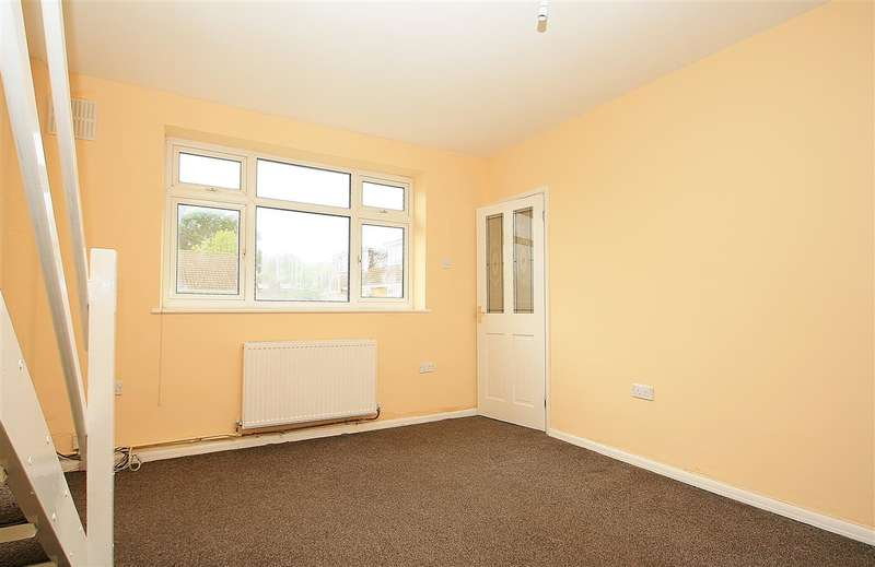 3 Bedrooms Bungalow for sale in NORTH HAYES