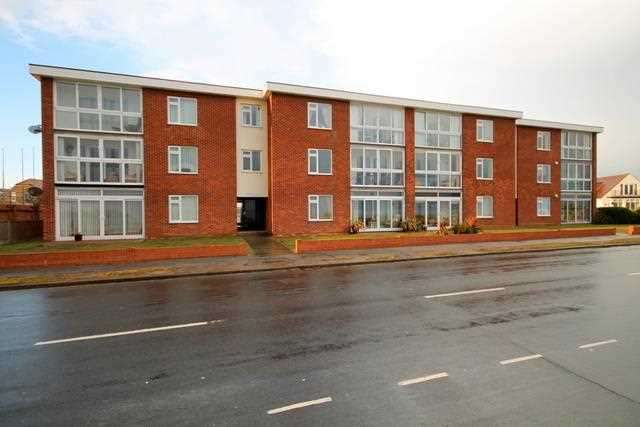 3 Bedrooms Apartment Flat for sale in Medusa Court, Kings Parade, Holland on Sea