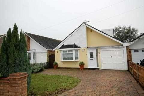 4 Bedrooms Bungalow for sale in Colthorpe Road, Great Clacton