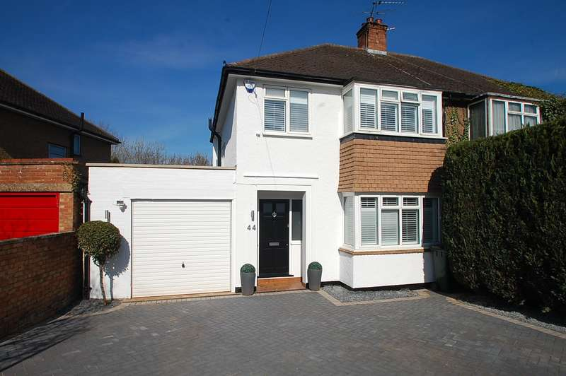 3 Bedrooms Semi Detached House for sale in Woodland Road, Maple Cross, Rickmansworth, WD3