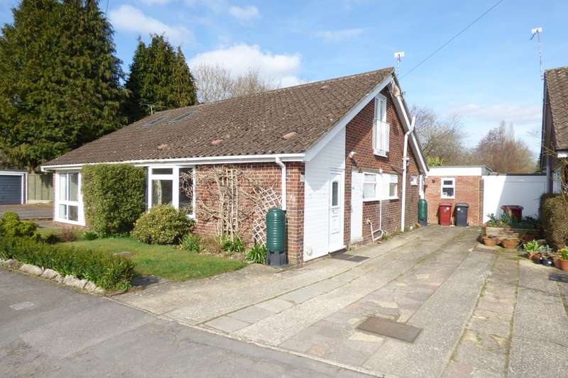 3 Bedrooms Chalet House for sale in Bourne Way, Midhurst, GU29
