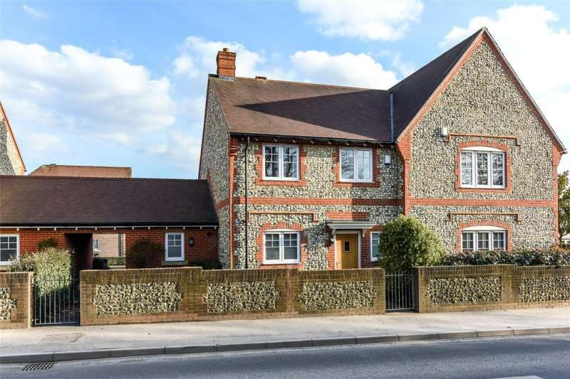 3 Bedrooms Semi Detached House for sale in Oakford Park, Halnaker, Chichester, West Sussex, PO18