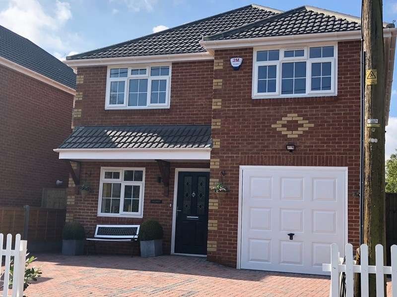 4 Bedrooms Detached House for sale in Eldons Drove, Lytchett Matravers, POOLE