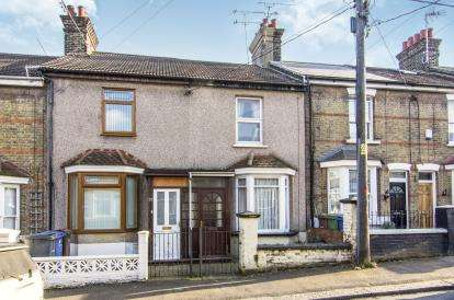 2 Bedrooms Terraced House for sale in Grays, Essex, .