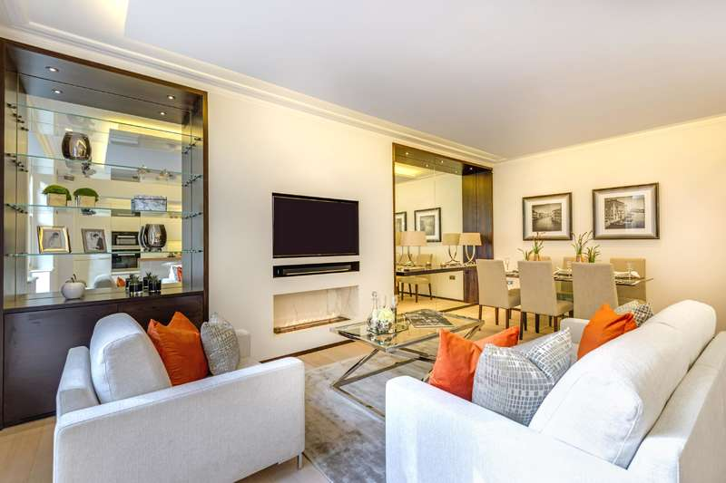 3 Bedrooms Flat for sale in Fitzjohns Avenue, Hampstead