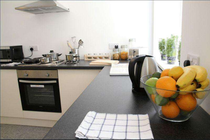 6 Bedrooms Apartment Flat for rent in Zetland House, 2A Firth Street, HD1