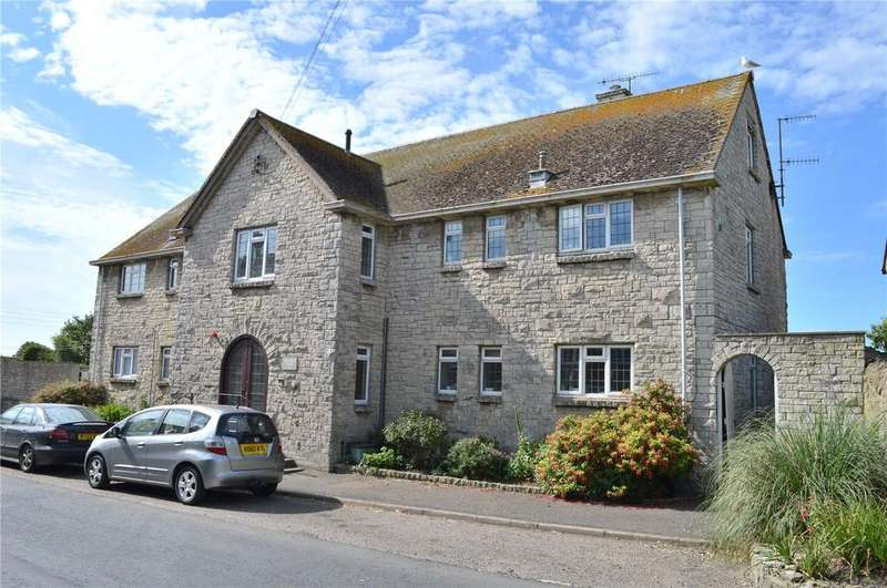 3 Bedrooms Flat for sale in Rosamond Court, Burton Bradstock, Bridport, Dorset
