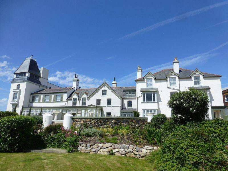 1 Bedroom Apartment Flat for sale in Station Road, Conwy