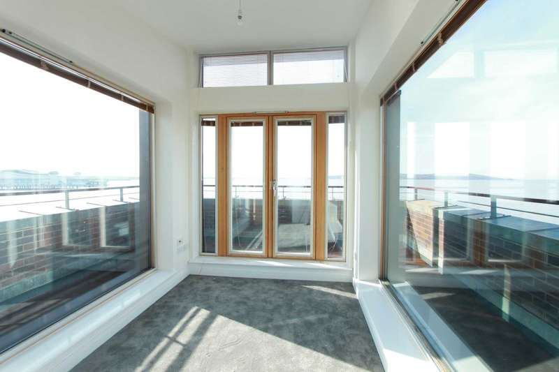 3 Bedrooms Apartment Flat for rent in Knightstone Causeway, Weston Super Mare