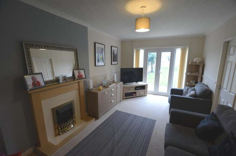2 Bedrooms Mews House for sale in Foxglove Drive, Broadheah, Altrincham WA14