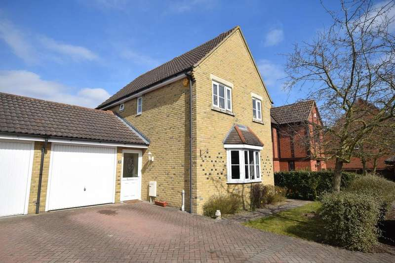 3 Bedrooms Link Detached House for sale in Spruce Avenue, Dunmow, Essex, CM6
