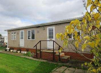 1 Bedroom Park Home Mobile Home for sale in Bonehurst Road, Horley RH6