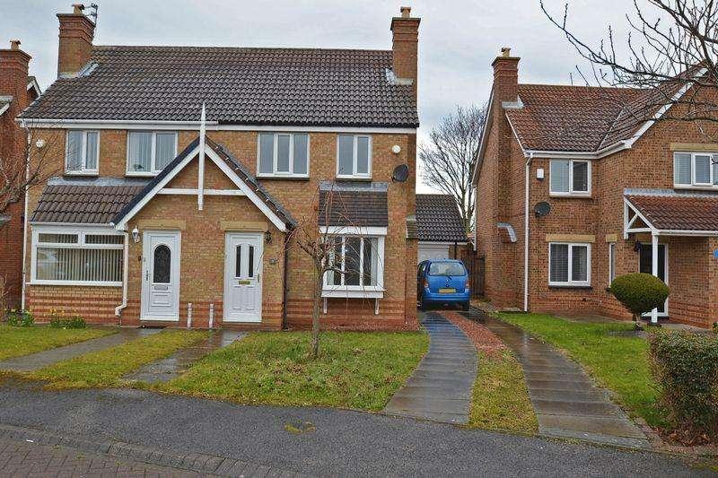 3 Bedrooms Semi Detached House for sale in Mendip Close, Ashington