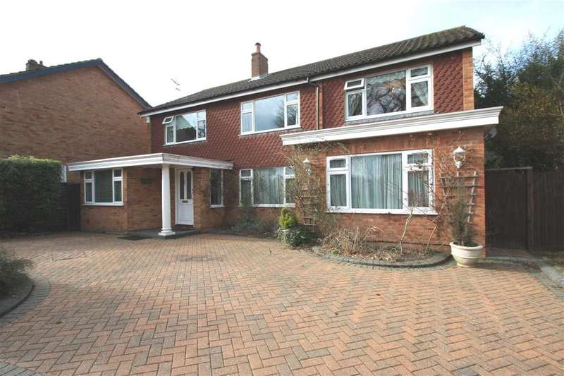 4 Bedrooms Detached House for sale in Kelvin Crescent, Harrow Weald