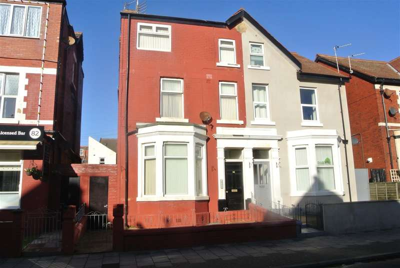 6 Bedrooms Flat for sale in Palatine Road, Blackpool