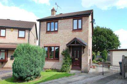 3 Bedrooms Detached House for sale in Penmore Gardens, Hasland, Chesterfield, Derbyshire