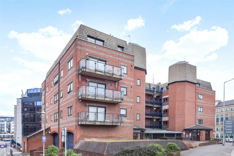 2 Bedrooms Apartment Flat for sale in Royal Court, Kings Road, Reading, Berkshire, RG1