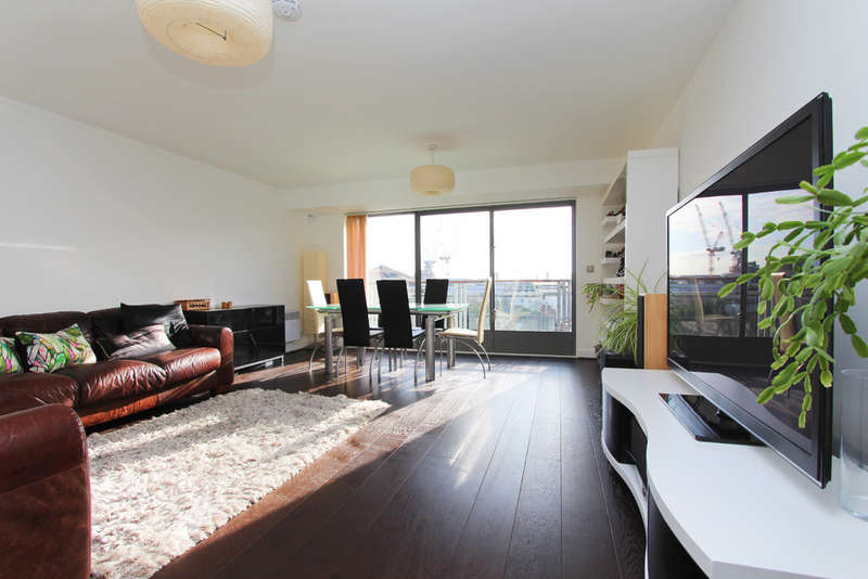 3 Bedrooms Flat for sale in The Bittoms, Kingston Upon Thames