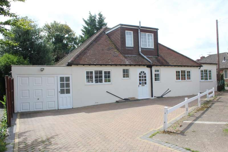 4 Bedrooms Detached House for sale in Downsview Avenue, Woking, Surrey, GU22