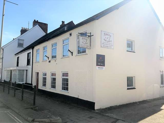 2 Bedrooms Hairdresser / Barber Shop Commercial for sale in High Street, Honiton