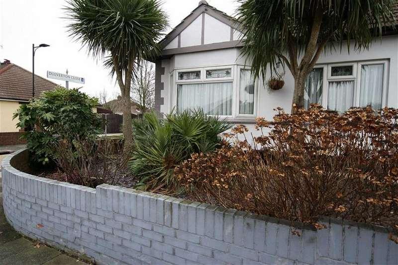 2 Bedrooms Semi Detached Bungalow for sale in Dulverton Avenue, Westcliff On Sea, Essex