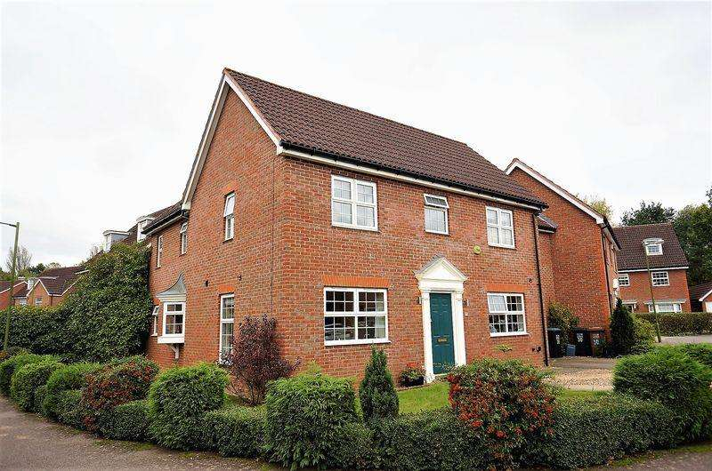 4 Bedrooms Link Detached House for sale in Beauchamps, Welwyn Garden City
