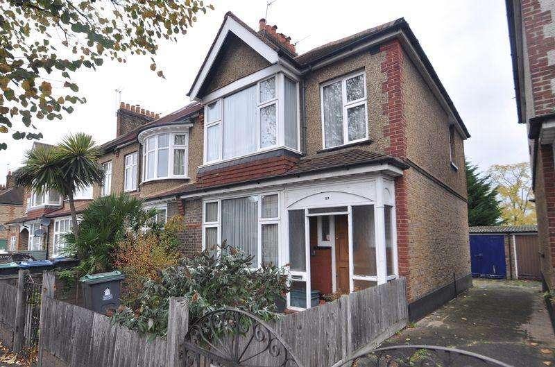 3 Bedrooms Semi Detached House for sale in Burlington Road, New Malden