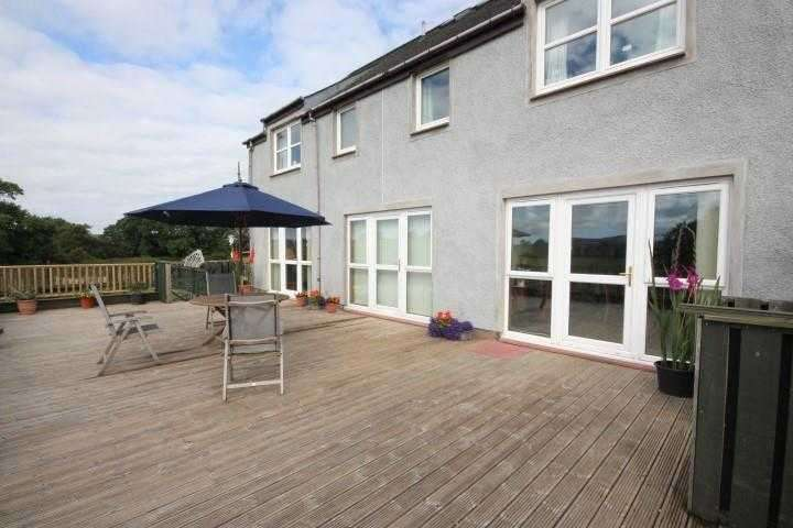 5 Bedrooms Detached House for sale in The Holm, Ochiltree