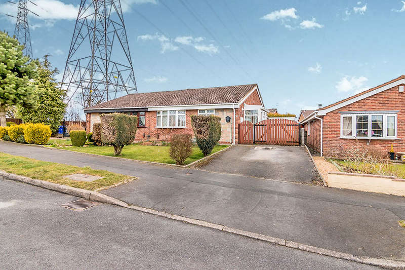 2 Bedrooms Semi Detached Bungalow for sale in Hollington Drive, Stoke-On-Trent, ST6