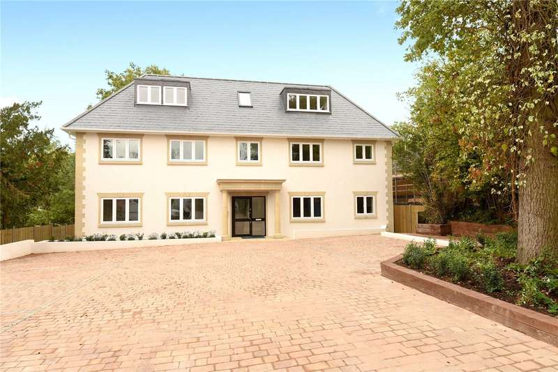 2 Bedrooms Apartment Flat for sale in Ducks Hill Road, Northwood, Middlesex, HA6