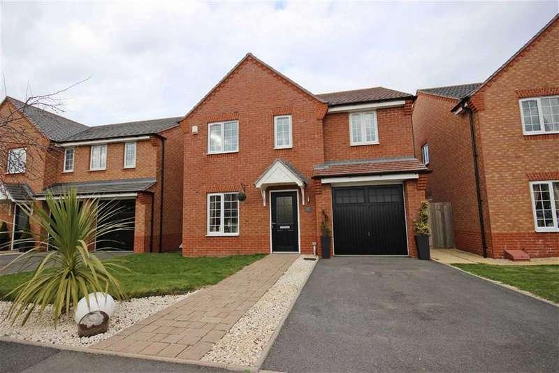 4 Bedrooms Detached House for sale in Brackley Crescent, Warwick, CV34