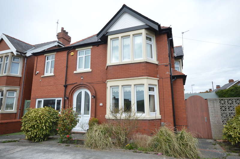 4 Bedrooms Detached House for sale in Preston New Road, Marton