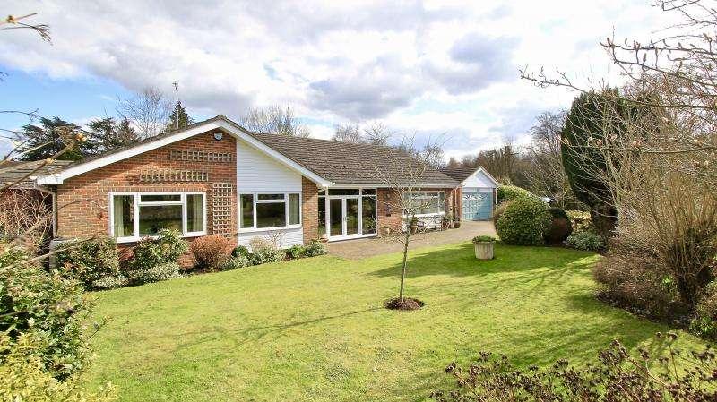 3 Bedrooms Detached Bungalow for sale in Upper Hollis, Great Missenden