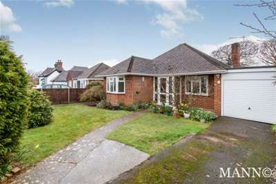 3 Bedrooms Bungalow for rent in Park Road, Hayling Island