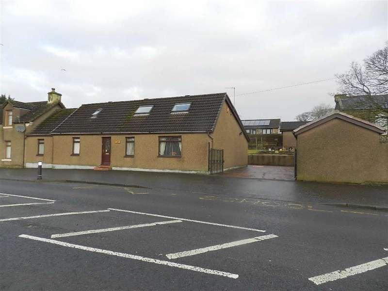 3 Bedrooms Semi Detached House for sale in Main Street, Blackridge